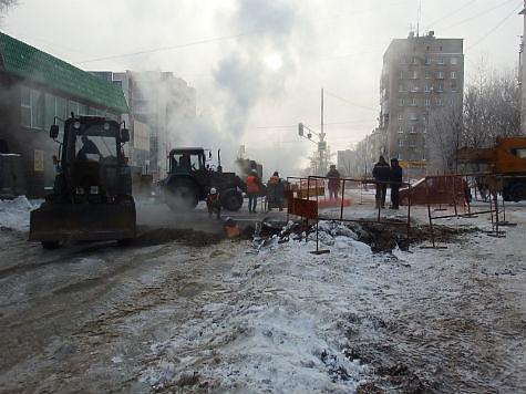 ВСамаре наКарбышева порыв теплотрассы, тепло подаётся пообратной схеме