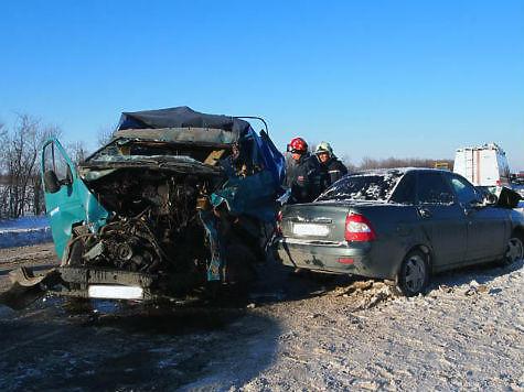 При столкновении четырех машин вВолжском районе умер шофёр «Газели»