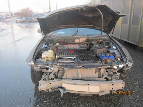 ВТольятти женщина на Мицубиши  врезалась вдве машины