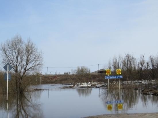 «Большая вода» в Самарской области: затоплены три моста, размыта трасса