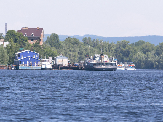 НаВолге случилось столкновение моторной лодки игидроцикла