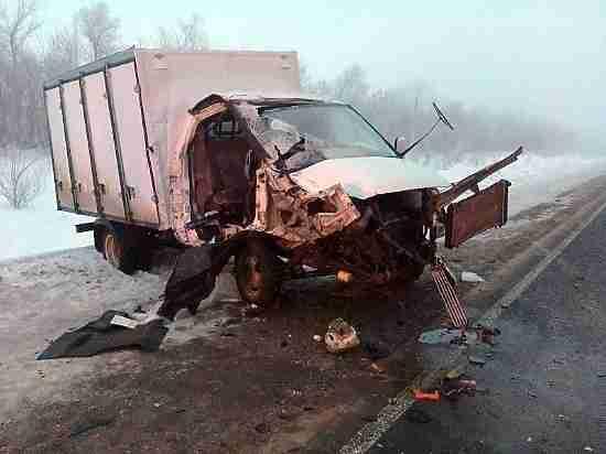 ВСамарской области ГАЗ врезался втрактор: есть пострадавшие