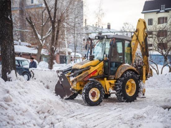 ВСамаре ночью снег убирали 270 спецмашин