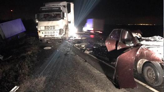 Водитель «Гранты» погиб в массовом ДТП с грузовиками на М-5 под Сызранью